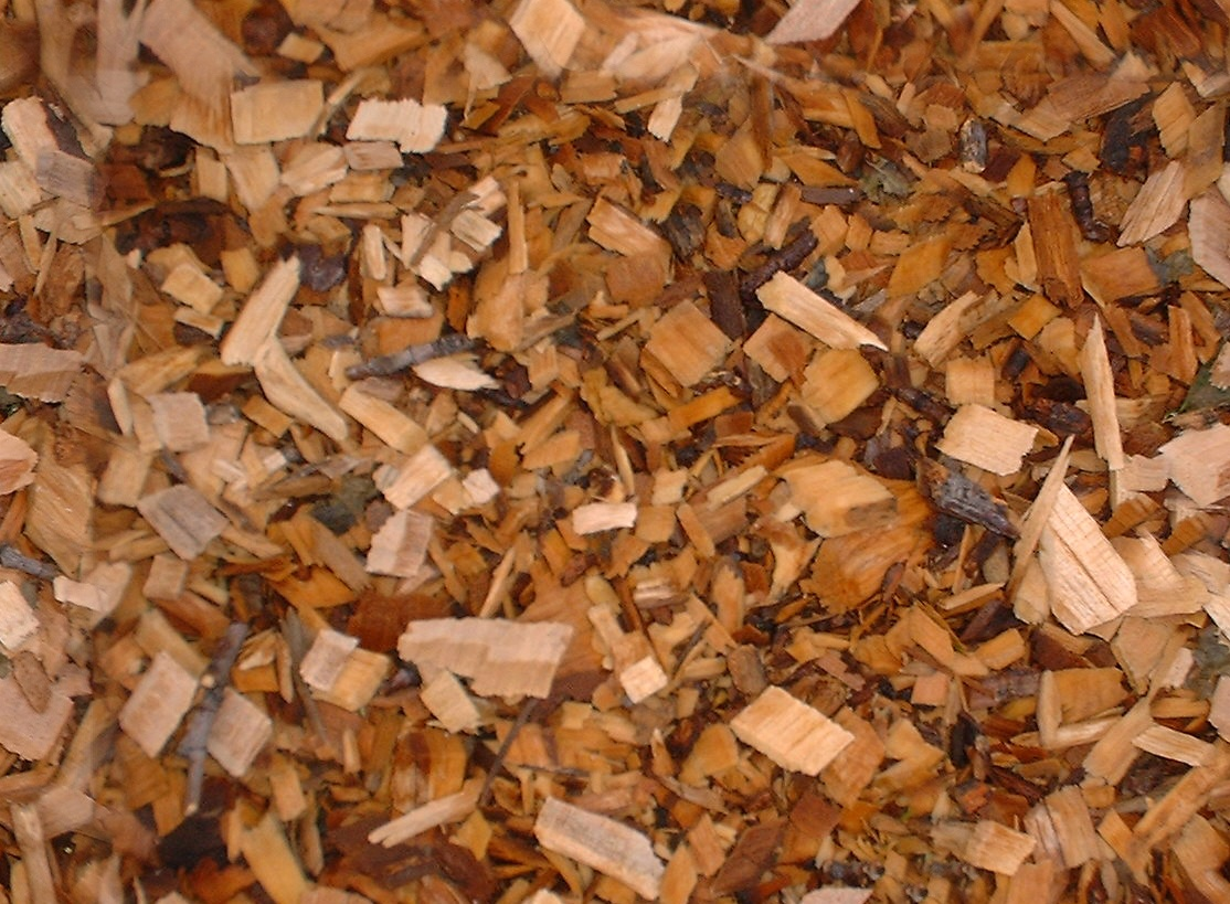Brown_woodchip_mulch.jpg