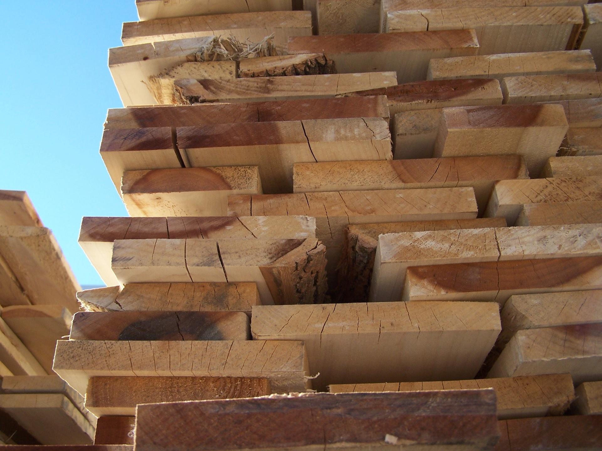lumber-1529698-1920x1440.jpg